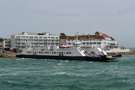 Bramble Bush Bay chain ferry leaving Sandbanks for Studland
