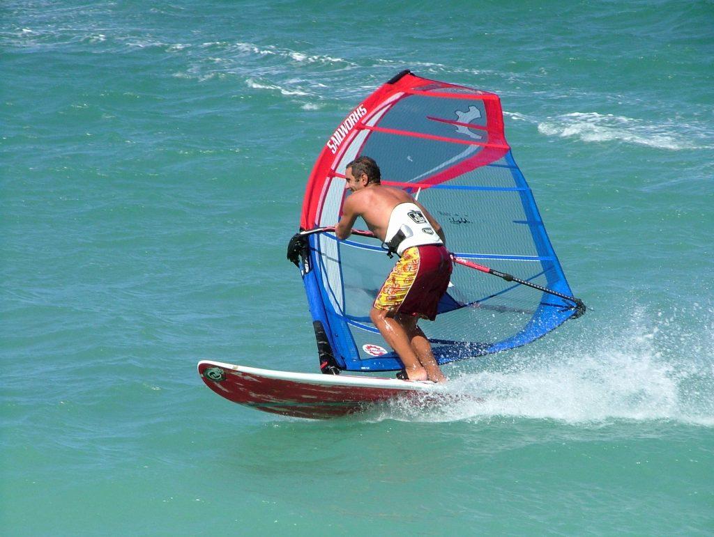 Classic of windsurfing photos - laydown gybe